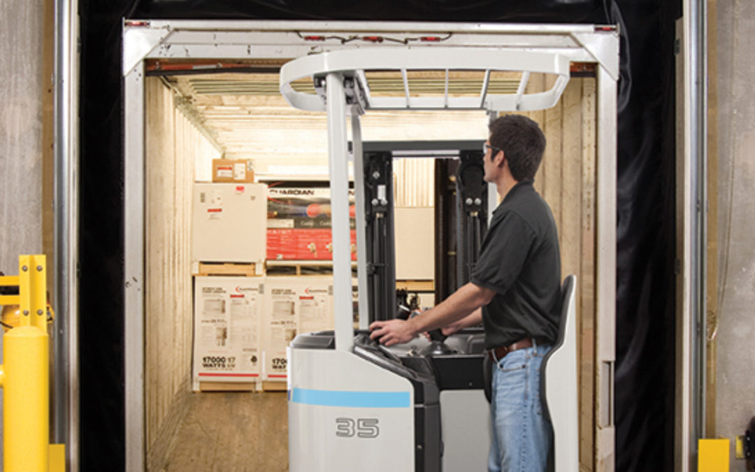 3 Ways Forklifts Increase Efficiency in a Warehouse or Distribution Center